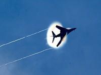 Les traînées d'avion, contrail  Sml_040116-F-0971G-156