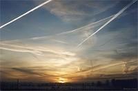 Les traînées d'avion, contrail  Smlcon03m